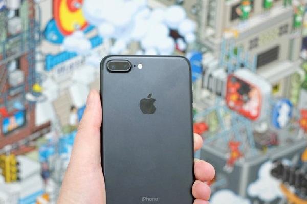 So sánh camera iPhone 8 và 7 Plus