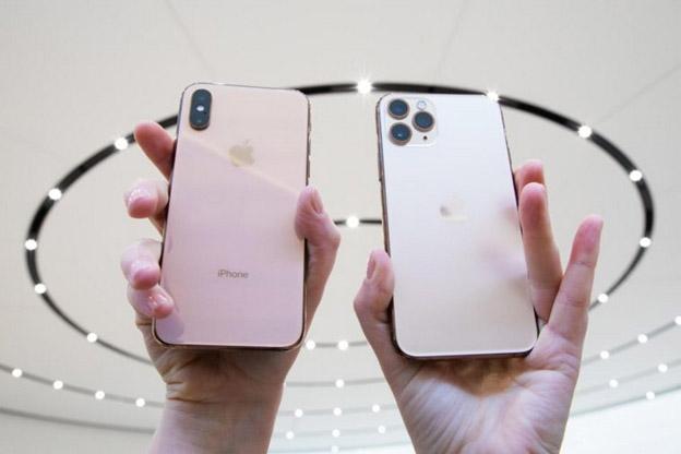 iPhone 11 Pro Max và iPhone Xs Max khác nhau lớn nhất ở cụm camera.