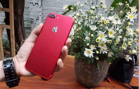 Dán giấy decal hoặc nilon bóng để bảo vệ iPhone 7