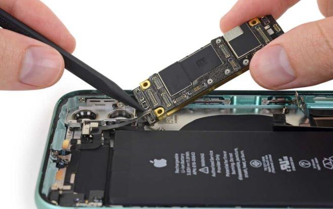 """Tìm thấy """"phần cứng bí ẩn"""" có thể hỗ trợ sạc ngược không dây trên iPhone 11"""