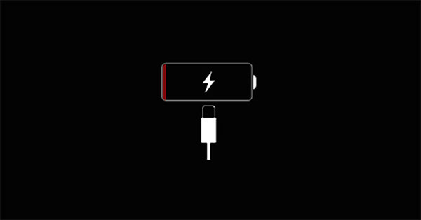 Màn hình iPhone của bạn không lên do pin điện thoại bị chai hoặc hết pin