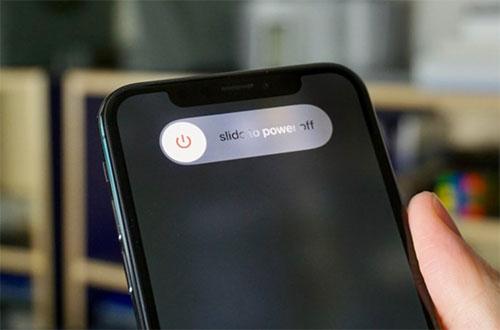 Tắt nguồn và khởi động lại thiết bị iPhone
