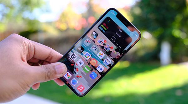 Chất lượng hiển thị màn hình OLED cao cấp