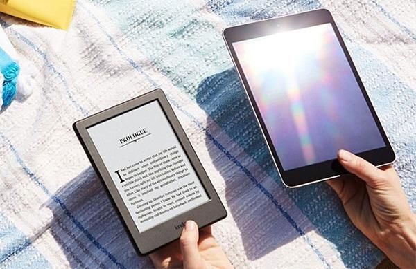 Máy đọc sách Kindle luôn có cường độ ánh sáng rất nhẹ, giúp bảo vệ mắt bạn khỏi những tác động của ánh sáng xanh.