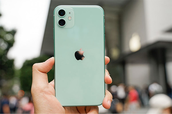 Có nên mua iPhone cũ đã qua sử dụng không?