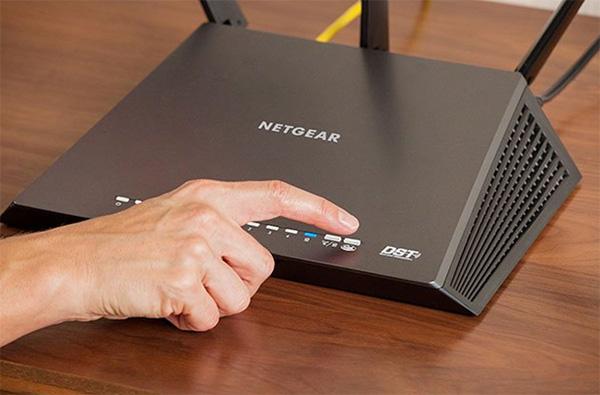Thử khởi động lại điện thoại và Router Wifi