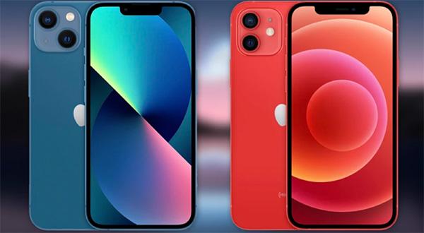 iPhone 13 bên trái và iPhone 12 bên phải.